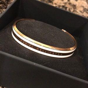 NEW Rose Gold Daniel Wellington Cuff Bracelet